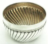 Antique Solid Silver Plant Pot or Bowl with Gilt Lining c.1882 (4 of 7)