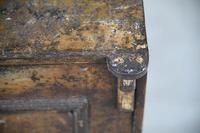 Antique Metal Safe (10 of 18)