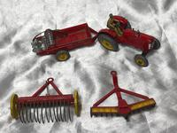 1950's Dinky Toys Massey Harris Red Tractor Plough Manure Spreader Disc Harrow (10 of 36)