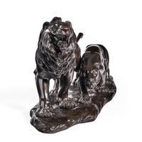 Meiji period bronze study of a lion and lioness by 'Genryusai Seiya' (5 of 8)