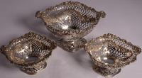 Beautiful Set of Three Matching Victorian Silver Dishes by Charles Stuart Harris, London 1899 & 1900 (3 of 13)