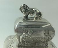 Victorian Lion Topped Sterling Silver Tea Caddy Embossed Romantic Scenes 1900 (9 of 10)