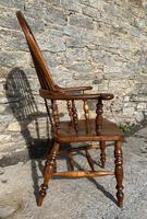 Pair of Antique Broad Arm Windsor Chairs (25 of 28)