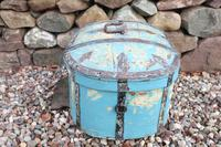 Scandinavian / Swedish 'Folk Art' Travel chest in blue paint and ironwork, 18th Century (5 of 37)