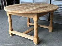 Round Farmhouse Dining Table with leaf (7 of 11)