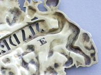 "George III Cast Silver Gilt ""Two Putti"" Wine Label 'Madeira' (6 of 10)"
