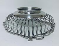 Antique Georgian 18th Century Solid Silver Swing Handle Bread Basket 1774 (14 of 19)