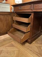 Important French Pedestal Desk from 19th Century in Oak (5 of 13)