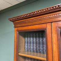 Quality Victorian Walnut Antique Glazed Bookcase on Cupboard (3 of 6)