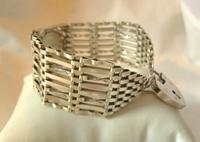 Vintage Sterling Silver Gate Bracelet 1976 St Christopher & Heart Padlock 34.3 Grams (4 of 12)