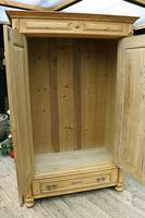 Fabulous Old Pine Cupboard / Double Wardrobe - Option of Shelves (9 of 11)