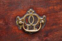Small 18th Century Mahogany Chest of Drawers (5 of 13)