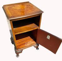 A Burr Walnut Bedside Cabinet (2 of 3)