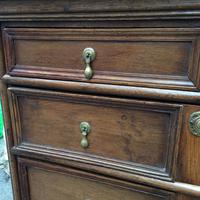 Late 17th Century Oak & Elm Chest of Drawers (5 of 6)