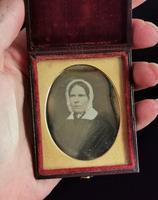 Antique Victorian Daguerreotype, Lady in a Bonnet - Cased (7 of 8)