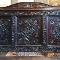 Stunning Heavily Carved Gothic Revival Oak Settle (4 of 14)