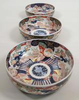 Good Set of Three Graduating Japanese Imari Bowls (6 of 13)