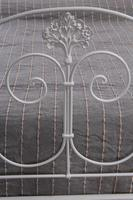 Pretty king size forged iron bed (4 of 7)