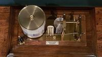 Antique Armstrong of Manchester Oak Barograph (3 of 8)
