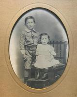 Enchanting Original Show-framed 19th Century Double Portrait Photograph of 2 Siblings (2 of 11)