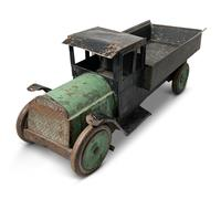 Painted Tin Truck (2 of 8)
