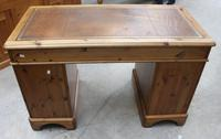 1960s Country Pine Pedestal Desk with Brown Leather on Top (4 of 4)