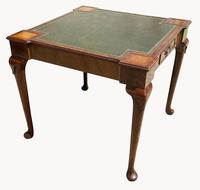 Unusual Games / Card Table in Mahogany (2 of 5)