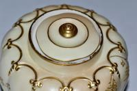 Superb Worcester Royal Porcelain Co. Blush Ivory Lidded Vase 1890 (4 of 9)