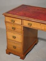Late Victorian Oak Kneehole Desk (5 of 6)