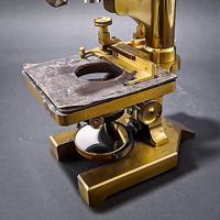 Brass Microscope by R & J Beck Ltd (3 of 7)