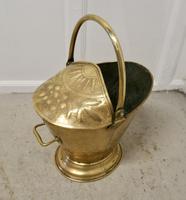 Victorian Brass Helmet Coal Scuttle (4 of 6)