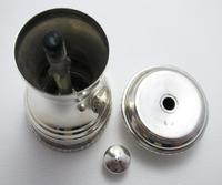 Vintage 1955 Classic Solid Sterling Silver English Pepper Mill / Shaker / Grinder. 20th Century (5 of 11)