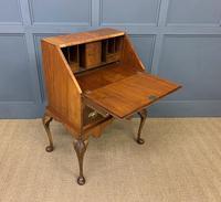 Very Good Queen Anne Style Burr Walnut Bureau (16 of 18)