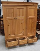 1960s Triple Country Pine 3 Door Wardrobe with Base Drawers (3 of 3)