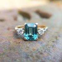 Vintage 18ct Gold Zircon & Diamond Three Stone Ring