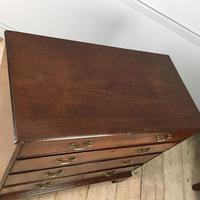 18th Century Mahogany Chest of Drawers (4 of 6)