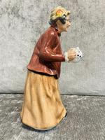 Tea Time Figurine (4 of 9)