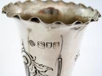Good Quality Pair of Edwardian Silver Flower Vases with a Crimped Border (4 of 5)