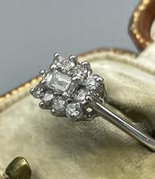 18ct White Gold Diamond Cluster Ring (7 of 14)