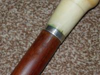 Antique Faux Ivory Pommel Topped Rosewood Walking Stick / Cane (9 of 13)