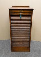 Globe Wernicke oak filing cabinet (4 of 7)