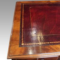 George V Mahogany Pedestal Desk (2 of 13)