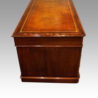 Victorian Mahogany Pedestal Desk (7 of 11)