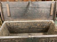 A rare 16th Century solid Oak Gothic Coffer (2 of 7)