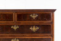 Late 17th Century Oyster Chest of Drawers (4 of 7)