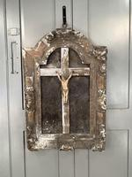 Antique French 18th Century wall mounted crucifix on gesso plaque (10 of 10)