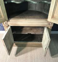 Pine Barrel Back Corner Cupboard in Original Paint (13 of 18)
