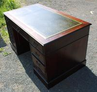 1960s Large Mahogany Pedestal Desk with Green Leather (3 of 6)