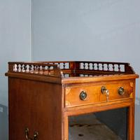 Display cabinet and chest (2 of 10)