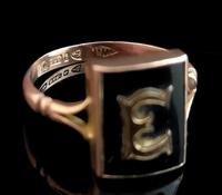 Antique Victorian mourning ring, 9ct Rose gold, Letter E (7 of 11)
